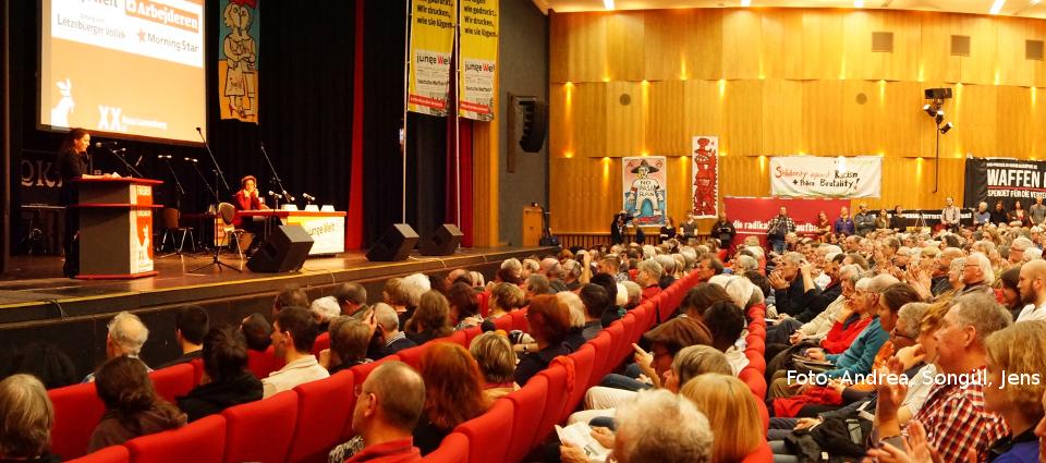 Gespanntes Interesse im vollen Saal bei der Rosa-Luxemburg-Konferenz 2015. Foto: Andrea, Songül, Jens